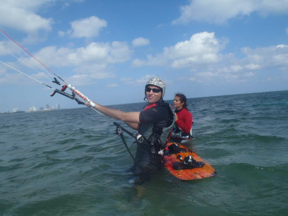 kiteboarding lessons are necessary to make sure you learn kitesurfing safely